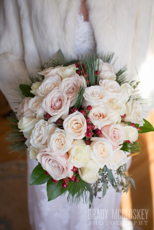 winter wedding flower bouquet