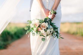 Soft nude and ivory bouquet