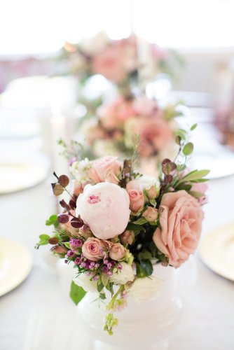 Pretty mauve and nude hues with burgundy accents